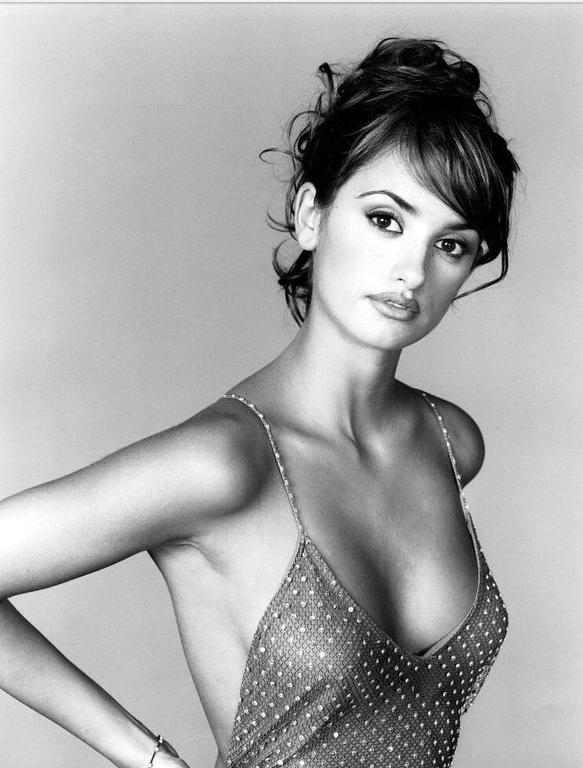 Penelope Cruz, actriz, famosa, Javier Bardem, Monica Cruz