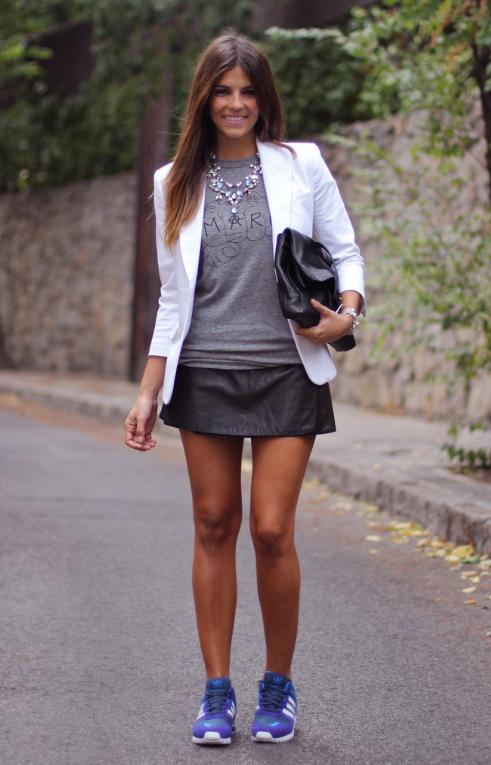 falda, sneakers, moda, outfit, mujer
