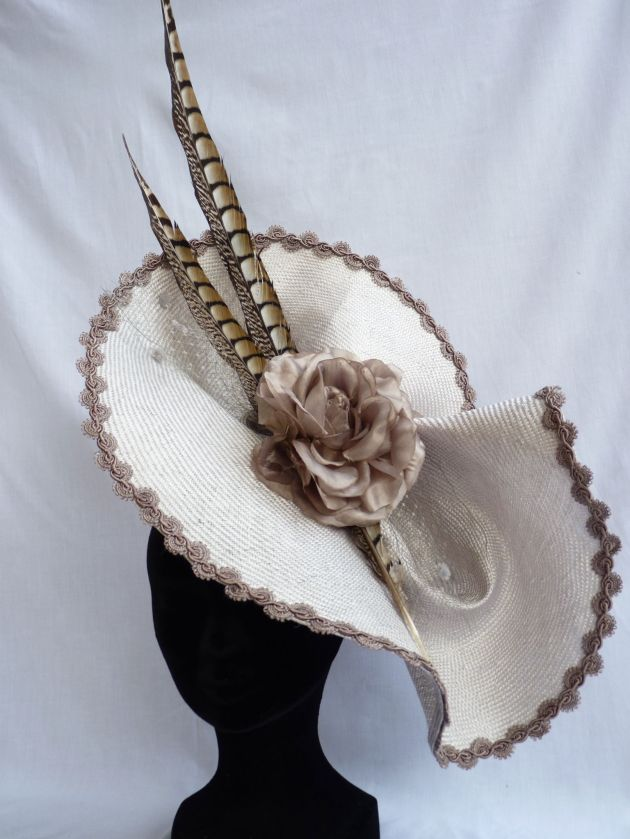 tocado, complementos, sombreros, tendencia, outfit, mujer