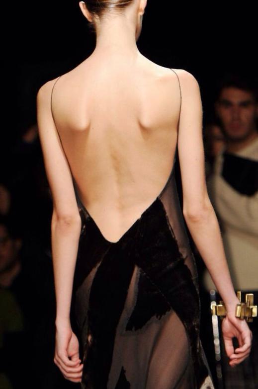 espalda al aire, tendencia, outfit, mujer, vestidos