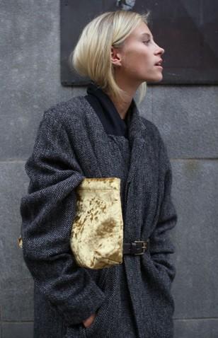 abrigo, coat, outfit, moda, tendencia, mujer, rosa, cinturón, belt the coat