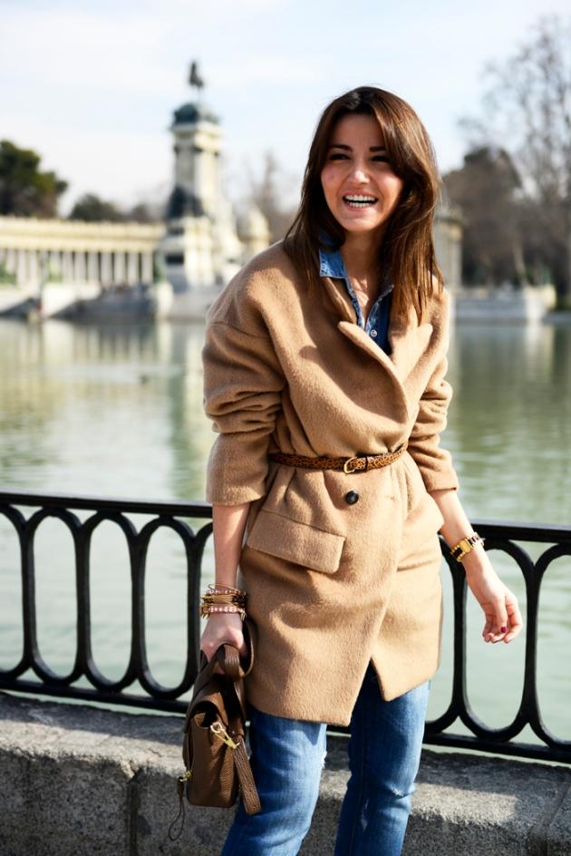 Emmanuelle Alt, abrigo, cinturón, tendencia, moda, mujer
