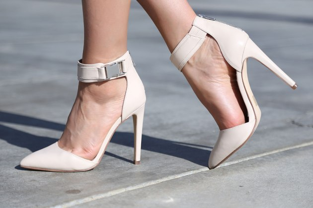 zapatos, tacones, tendencia, outfit, mujer