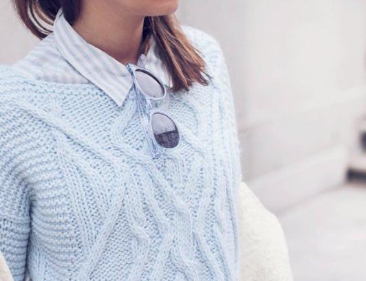 azul celeste, tendencia, outfit, mujer