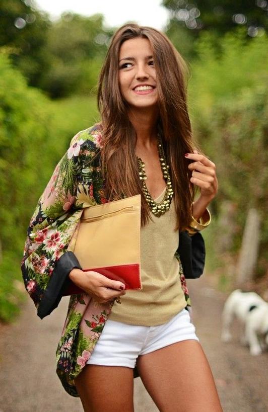 kimono, tendencia, outfit, print, flora, flores, kimono de flores, kimono con flecos, Lovely Pepa