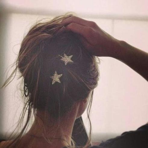 accesorios, hair pins, horquillas, peinados, tendencia, cabello, Chanel