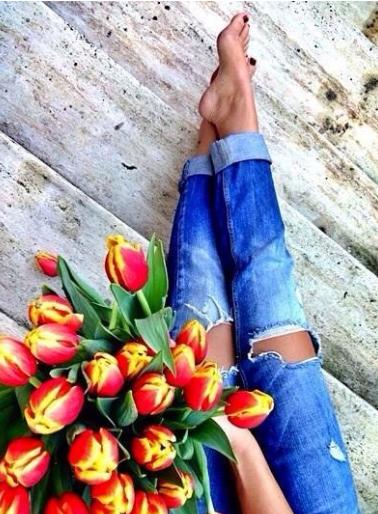 inspiración, tendencia, outfit, mujer, moda, flores, denim, jeans
