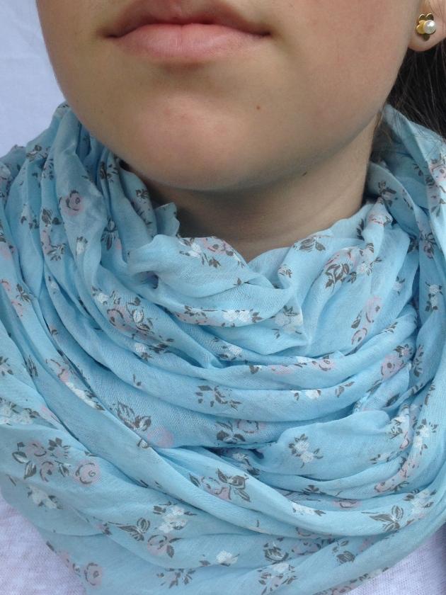 treintamasdiez-blog-de-moda fular azul flores