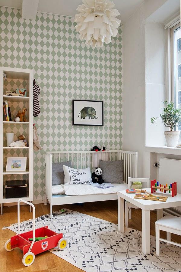 2-dormitorio-infantil-papel-rombos-menta-y-blanco-diseño-nórdico-decoración-escandinava
