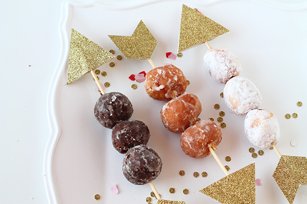 treintamasdiez blog de moda 020514-cupids-donut-hole-arrows-plate
