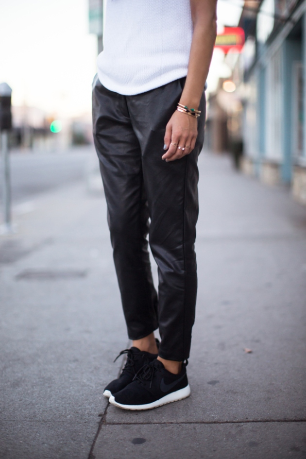 treintamasdiez blog de moda song-of-style-nike-leather-sweatpants
